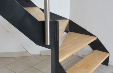 Binnentrap inox metaal interieur - Binnen trap ...