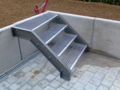 Rechte steektrap of rechte buitentrap inox metaal interieur - Interieur trap model ...